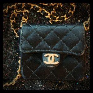 Chanel vintage mini purse black